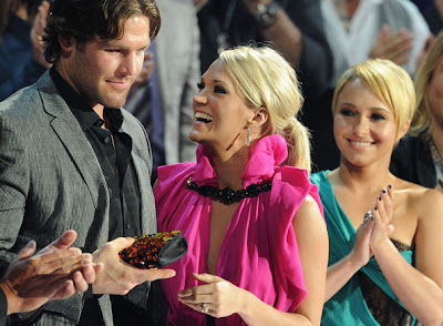 carrie-underwood-and-mike-fishers-wedding-party-arrives-in-georgia