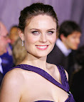 emily-deschanel-hot-photos-pictures-gallery