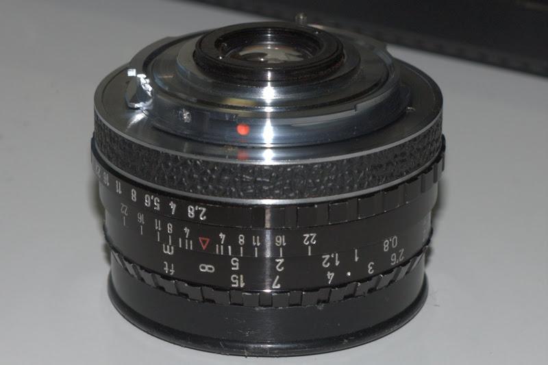 Schneider-Kreuznach Curtagon 1:2.8/35 鏡頭後面會卡住反光板