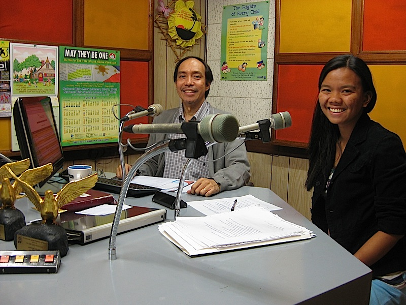 Lem and Lj, hosts of the radio program Pinoy Espesyal in 702 DZAS