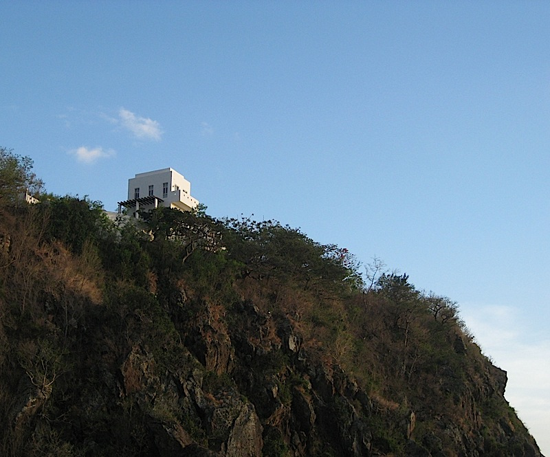 cliffside casa at Bellarocca Island Resort