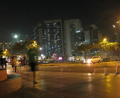 late night runners in Bonifacio Global City in Taguig
