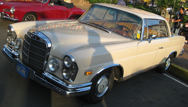 pale yellow Mercedes Benz 280 SE automatic