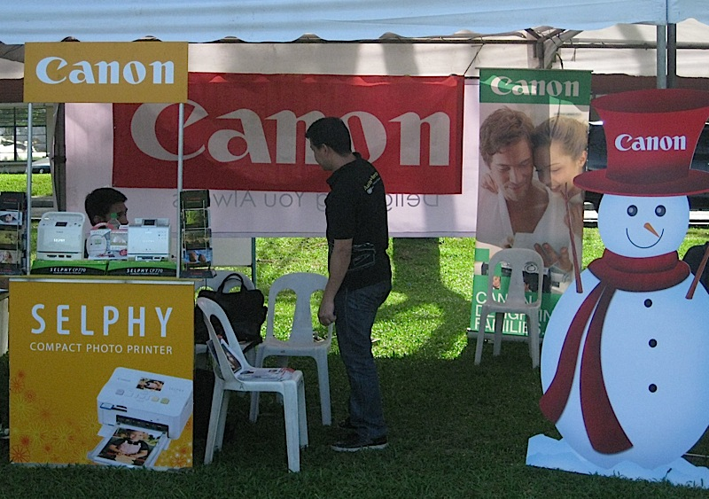 Canon photo booth during the Lights for Hope Christmas outreach
