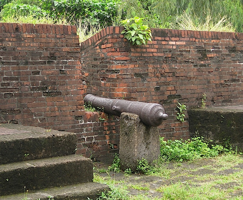 old canon in Fort Santiago