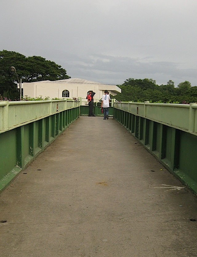 footbridge along Katipunan Avenue across Miriam College
