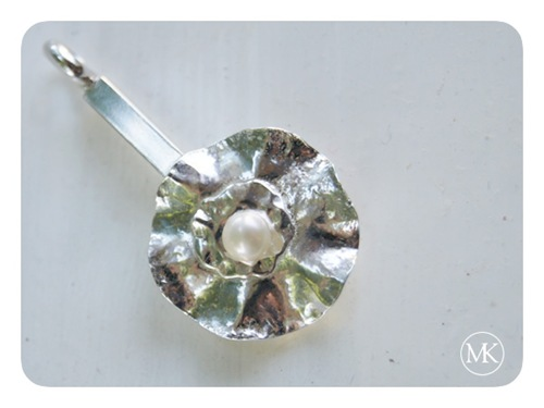 flower and pearl pendant 3