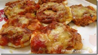 tuna pizza with oregano, by 240baon