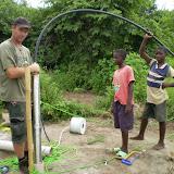 het aansluiten van de waterpomp
