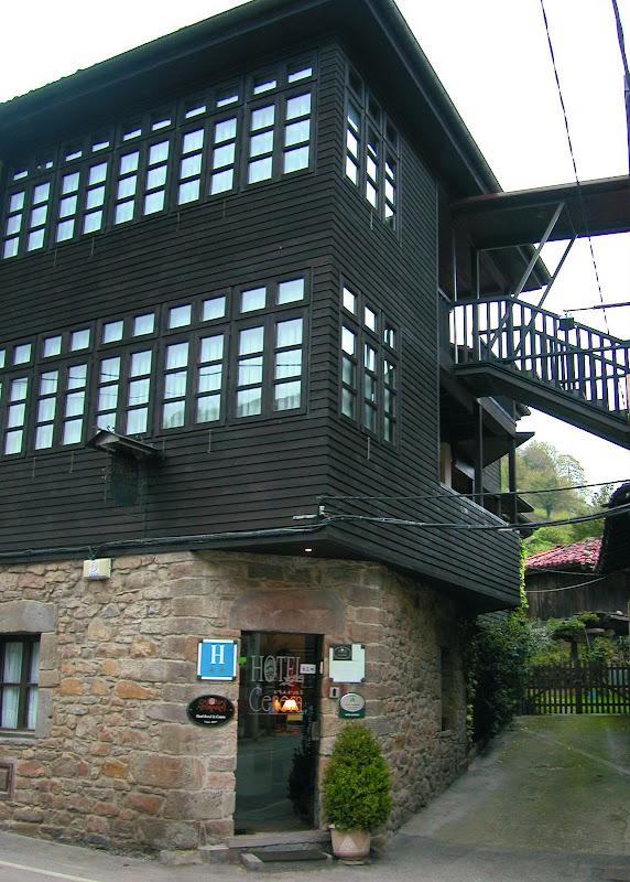 FACHADA HOTEL CENERA