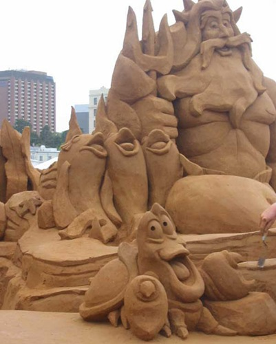 funny-sand-sculpture