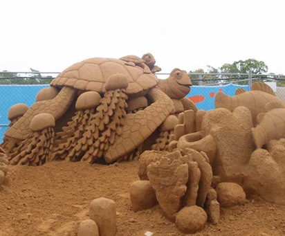 turtle-sand-sculpture