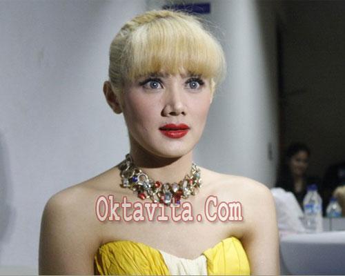 Mulan Jamilah Blonde