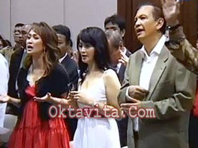Profil Artis Indonesia Artis Indonesia Masuk Kristen