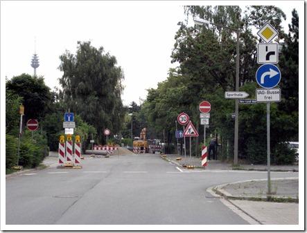 Unklare Verkehrsschilder in 90547 Stein