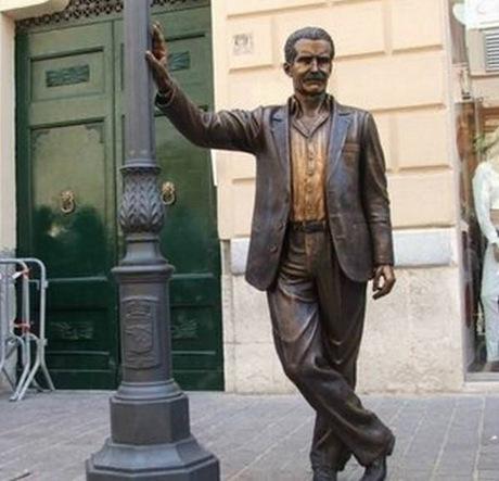 statua_commissario_montalbano_2