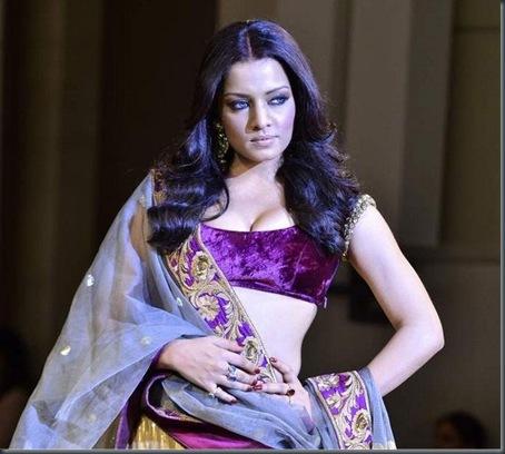 Fashion showCelina Jaitley at Mijwan Fashion show