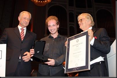 LUTZ BETHGE CEO MONTBLANC INTERNATIONAL, PREISTR€GER PIANIST NIKOLAI TOKAREV UND JUSTUS FRANTZ  BEIM PRIX MONTBLANC GALAKONZERT IM KONZERTHAUS IN BERLIN AM 271009©FRANZISKA KRUG / MONTBLANC