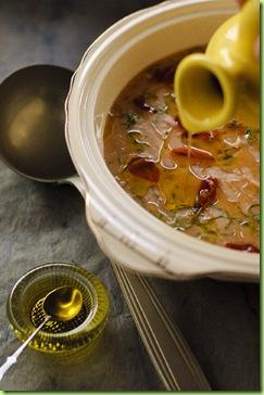 Sopa de feijão branco, escarola e crisp de presunto cru 1b