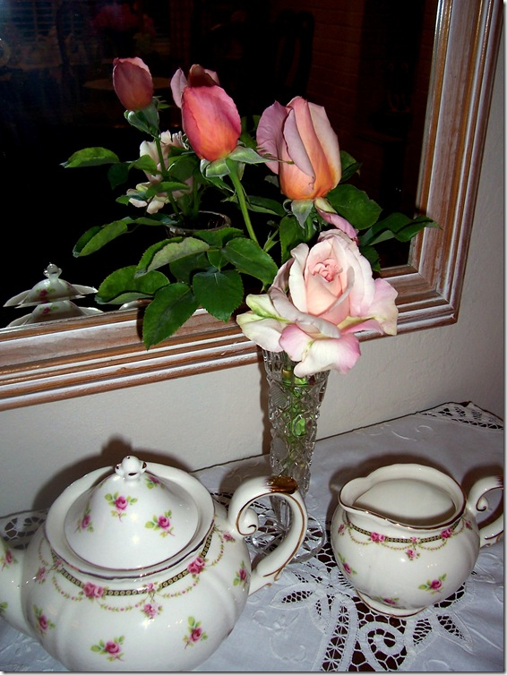 roses on gateleg 3