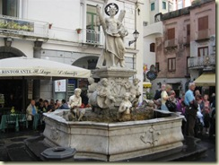 Amalfi Fountain Main Square (Small)