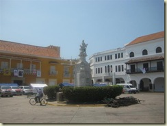Columbus Plaza de la Aduana1 (Small)