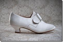 AD shoe side