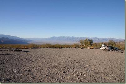 15 - Op naar Death Valley, dit is onze camping, gezellig druk