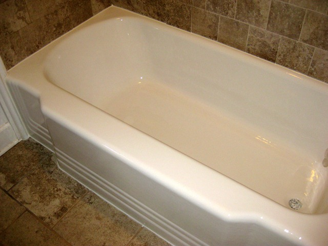 [tub before and after 082010 (12)[2].jpg]
