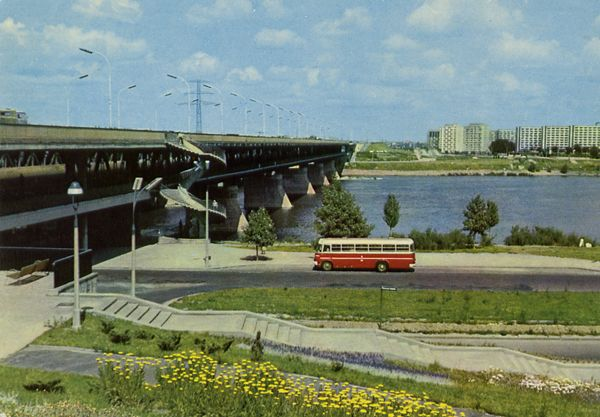 Cartes Postales Pop et  Kitsch des années 50, 70 et 70 - Pop and kitsch vintage postcards from the fifties, the sixties and the seventies : Bienvenue en Pologne WARZAWA Le pont de Gdansk