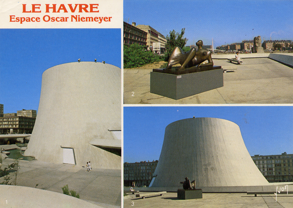 Cartes Postales Pop et  Kitsch des années 50, 70 et 70 - Pop and kitsch vintage postcards from the fifties, the sixties and the seventies : 76 - LE HAVRE (Seine-Maritime) Espace Oscar Niemeyer Centre Culturel construit en 1981