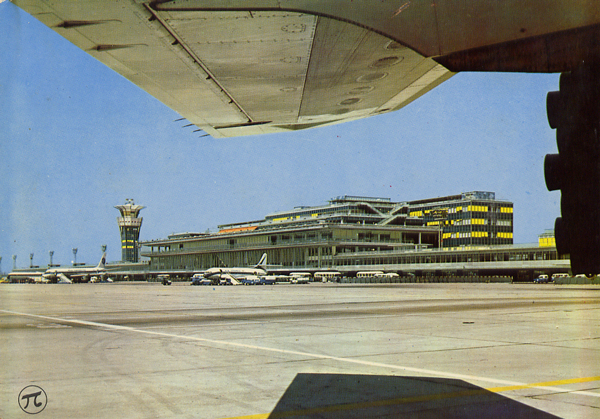 Cartes Postales Pop et  Kitsch des années 50, 70 et 70 - Pop and kitsch vintage postcards from the fifties, the sixties and the seventies : AEROPORT DE PARIS-ORLY L'Aérogare et la nouvelle tour de contrôle