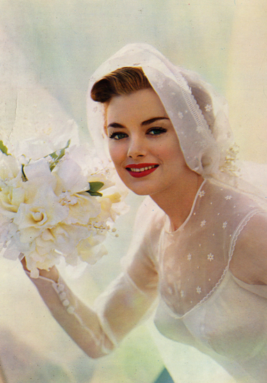 Cartes Postales Pop et  Kitsch des années 50, 70 et 70 - Pop and kitsch vintage postcards from the fifties, the sixties and the seventies : White weddings, Mariages en blanc