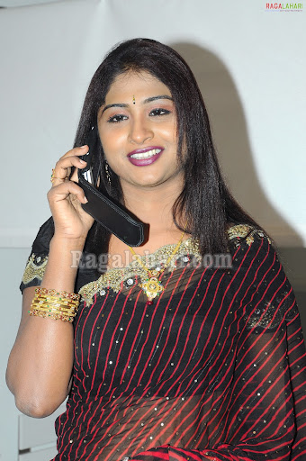 [Image: telugu-tv-anchor-praveena014.jpg]