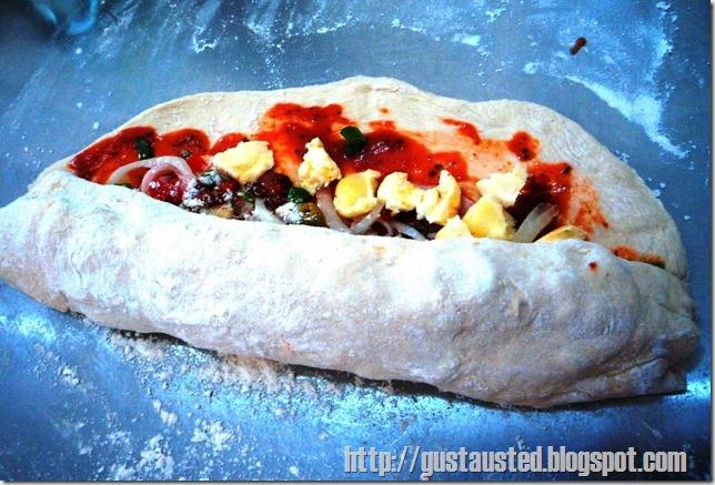 12 Acomoda los ingredientes y queso Enrolla