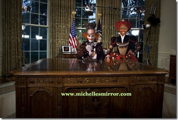 O&#39;MAD HATTER&amp; red queen at desk Watermarkedy