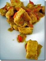 spezzatino di pollo e peperoni al curry -con latte di capra-