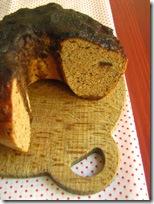 ciambella rustica al vapore -castagne, cioccolato e fava tonka-