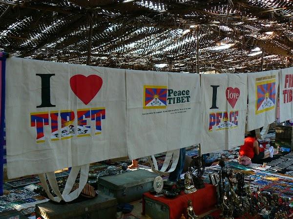 Imagini India Goa: bazar tibetan la Anjuna market