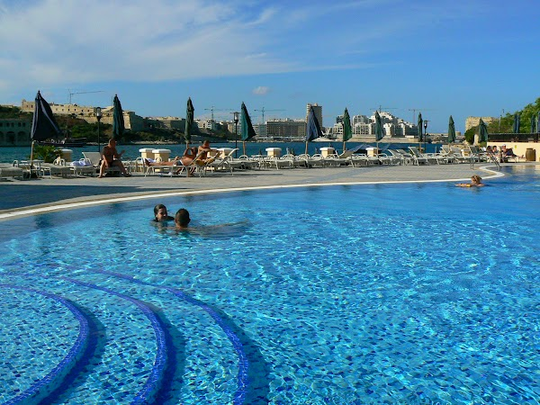 12. piscina Excelsior.JPG