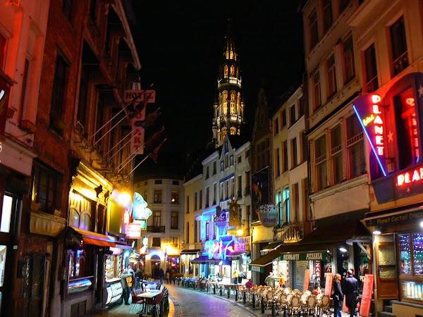 Obiective turistice Belgia: strazi noaptea Bruxelles