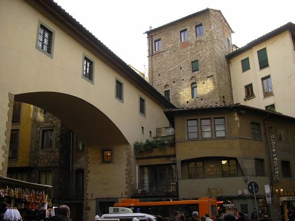 Obiective turistice Italia: Ponte Vecchio, Florenta
