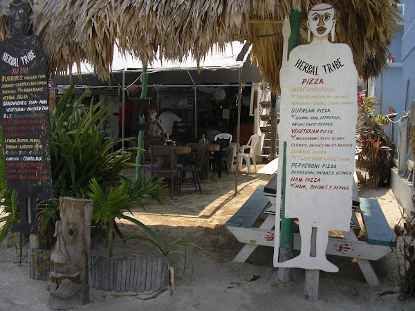 14. pizza in Caye Caulker.JPG
