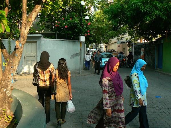 Imagini Maldives: pe strazile din Male.JPG