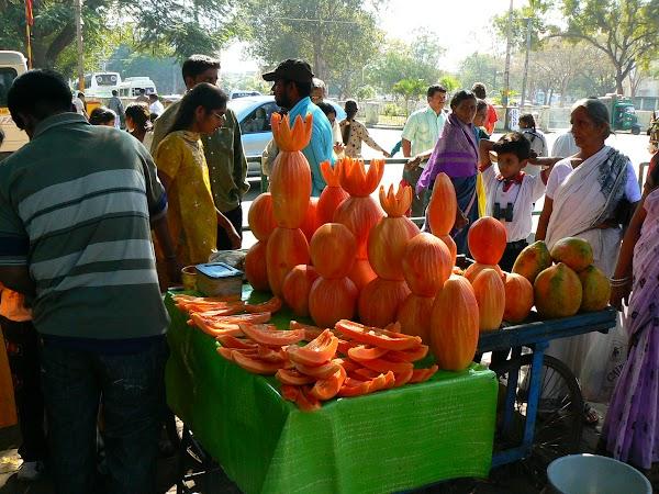 Obiective turistice India: bazar de fructe Mysore
