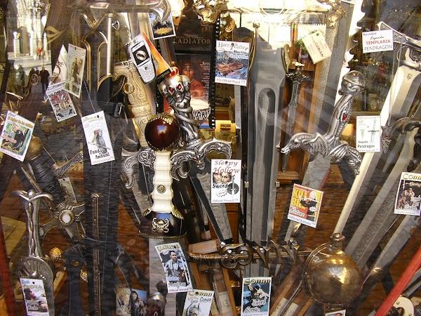 Obiective turistice Spania: sabii de Toledo.JPG