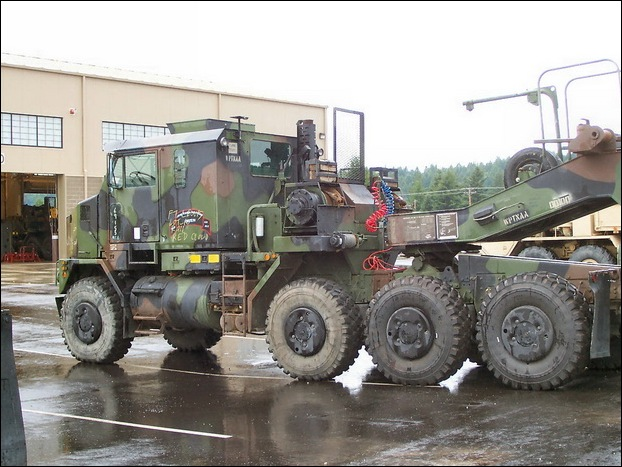M1070 Heavy Equipment Transporter 06