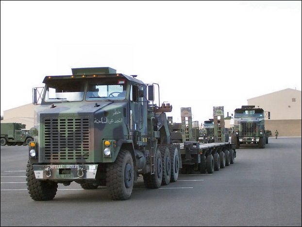 M1070 Heavy Equipment Transporter 18