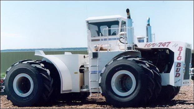 Big Bud 747 tractor 06