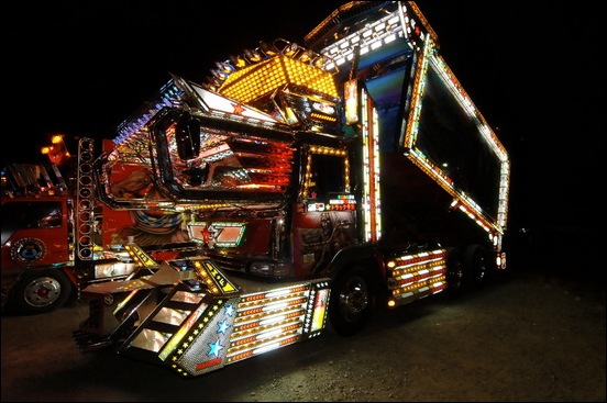 Dekotora...Japanese mad custom truck modding00